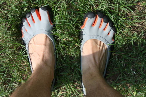 My Bare Feet. Vibram Five Fingers Review | the Justin Owings page